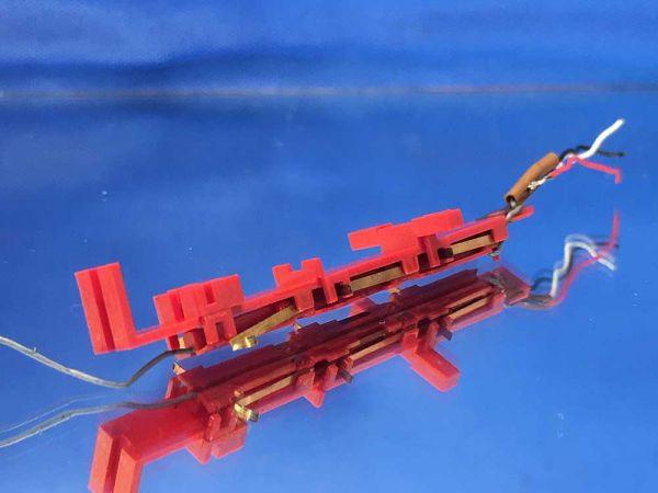 Minitrix BR 03 - 31261108 - Schleiferplatte