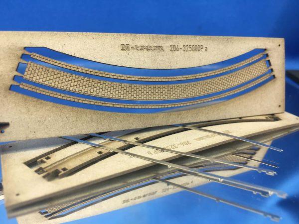 N-Tram - 206-325000P - Nm- R2 / Radius 111,4 mm - 45°, gebogenes Gleis im Pflaster